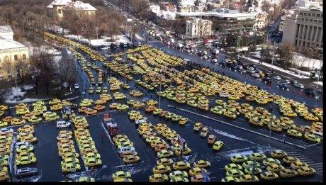 Taximetriștii din țară ies mâine la un nou protest, în fața Parlamentului